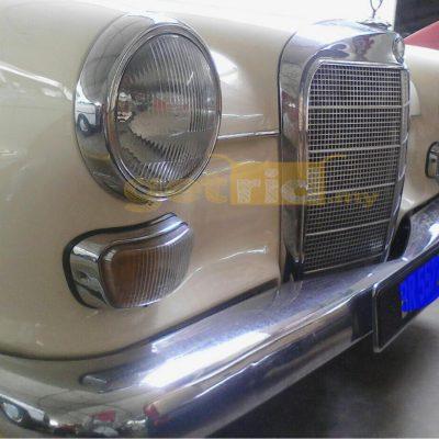 Classic Mercedes BATMAN 200. 1964